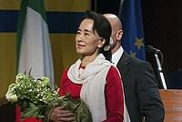 Foto Aung San Suu Kyi a Parma - 2013 Aung_San_Suu_Kyi_031