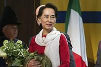 Foto Aung San Suu Kyi a Parma - 2013 Aung_San_Suu_Kyi_032