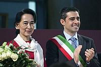 Foto Aung San Suu Kyi a Parma - 2013 Aung_San_Suu_Kyi_044