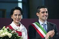 Foto Aung San Suu Kyi a Parma - 2013 Aung_San_Suu_Kyi_045