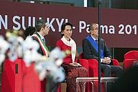 Foto Aung San Suu Kyi a Parma - 2013 Aung_San_Suu_Kyi_048