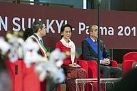 Foto Aung San Suu Kyi a Parma - 2013 Aung_San_Suu_Kyi_049