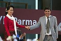 Foto Aung San Suu Kyi a Parma - 2013 Aung_San_Suu_Kyi_086