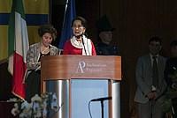 Foto Aung San Suu Kyi a Parma - 2013 Aung_San_Suu_Kyi_115
