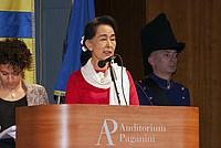 Foto Aung San Suu Kyi a Parma - 2013 Aung_San_Suu_Kyi_121