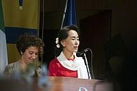 Foto Aung San Suu Kyi a Parma - 2013 Aung_San_Suu_Kyi_125
