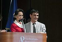 Foto Aung San Suu Kyi a Parma - 2013 Aung_San_Suu_Kyi_134