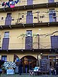 Foto Milano - Fiera dei fiori 2004 008 Tipica casa di ringhiera